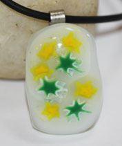 Sárga-zöld csillagos üvegékszer