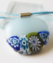Kék kosárka üvegmedál