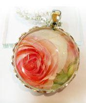 romantikus rózsamedál
