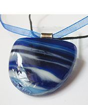 Kéktenger üvegékszer medál