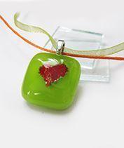 Szívecske üvegmedál Valentin napra - zöld