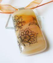 Narancs csipkés üvegmedál