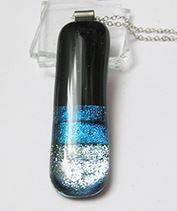kék dichroic medál