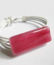 Rózsaszín üvegékszer karkötő